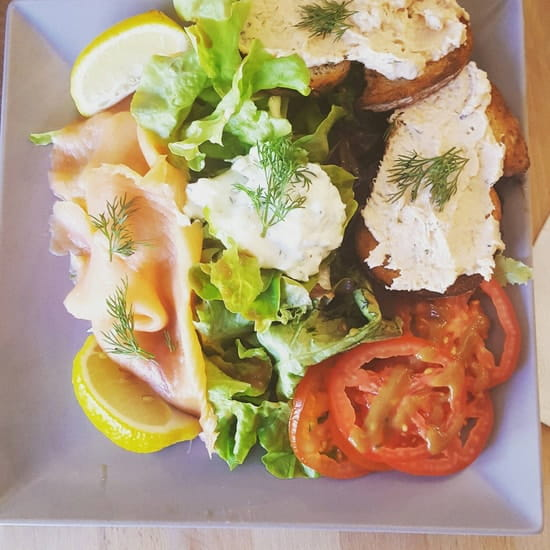Plat : L'Origan  - Salade au saumon -