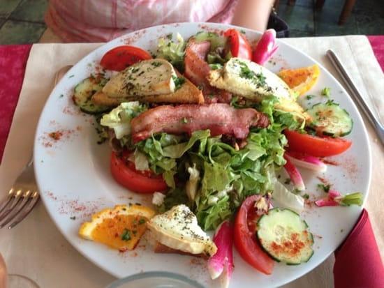 Entrée : Restaurant Le Parma Pizzeria Du Port  - Salade de chèvre chaud -