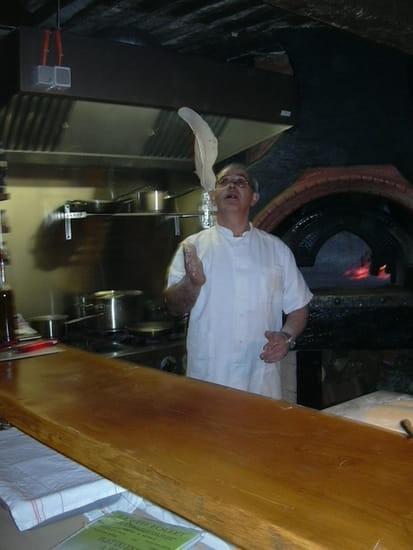 Lou Pitchoune  - Pizza et grillade cuit au feu de bois -   © le gérant Mr Corpace