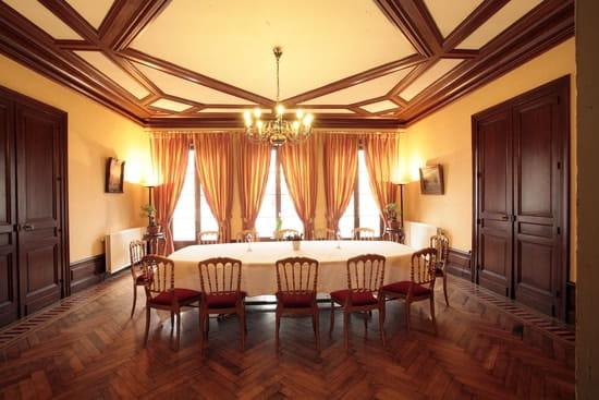 La Table Calvet  - Le salon bordeaux -