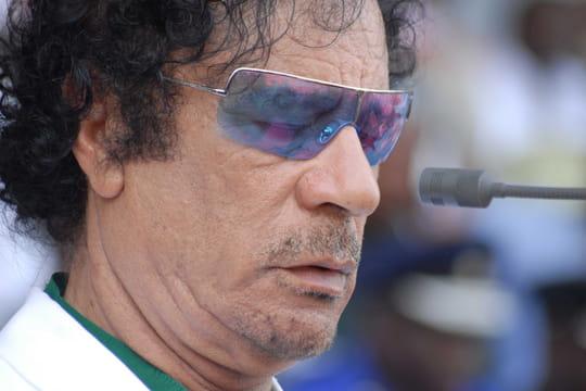 """Mouammar Kadhafi: invité par Sarkozy en 2007, un """"remboursement""""?"""