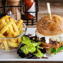 Harper's Paris  - Chicken Burger & Frites Maison  -   © Harper's Paris