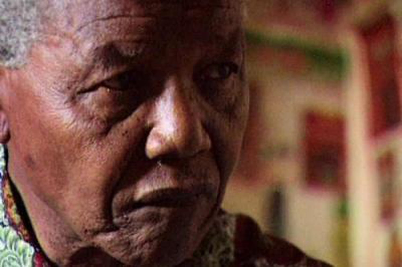 Est-il mort? Leleader sud-africain obsède leWeb