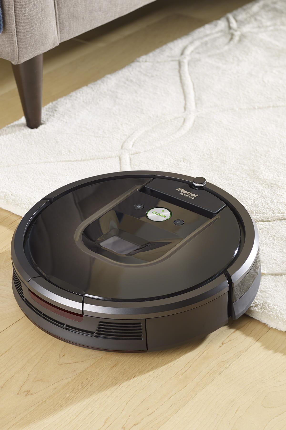 l 39 aspirateur robot roomba 980 de irobot. Black Bedroom Furniture Sets. Home Design Ideas