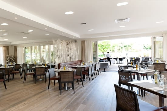 Le Provençal Golf & Café  - Salle intérieure -