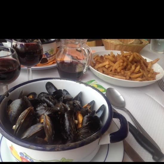 Plat : Restaurant Le Ménez-Hom  - Moules-frites -
