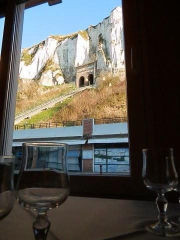 4 Saisons  - Restaurant 4 saisons-le tréport. Mangez aux pieds des falaises -