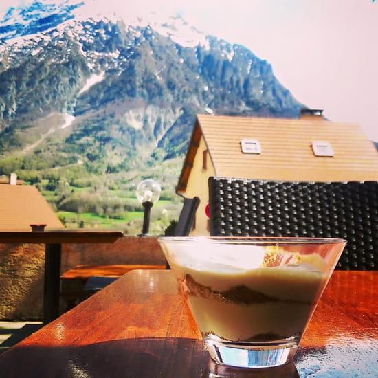 Dessert : Le Café du Midi - La Violette  - La vue sur Chaillol -   © MD