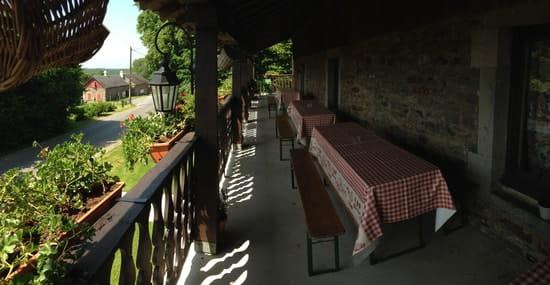 Le Balcon en Forêt  - la terrasse couverte -   © balconenforet