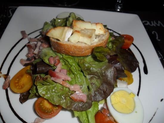 La Table de Jenny  - salade campagnarde avec croûton de chèvre -