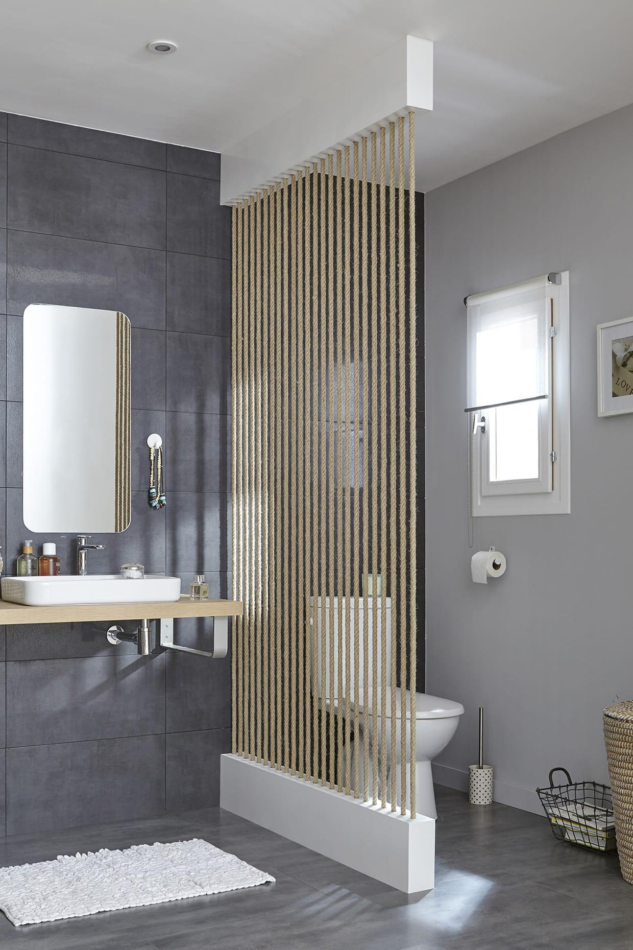 S parer les toilettes du lavabo for Muret salle de bain