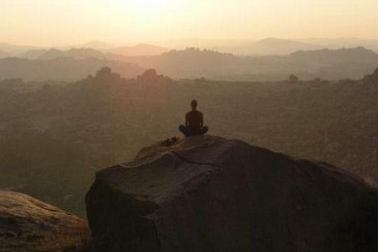 Méditation à Hampi