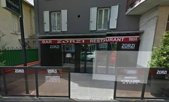 Restaurant : Le zorzi  - Vue de l'entrée. Ambiance  calme  et  sympa. Possibilité de réserver soirée privée.  -