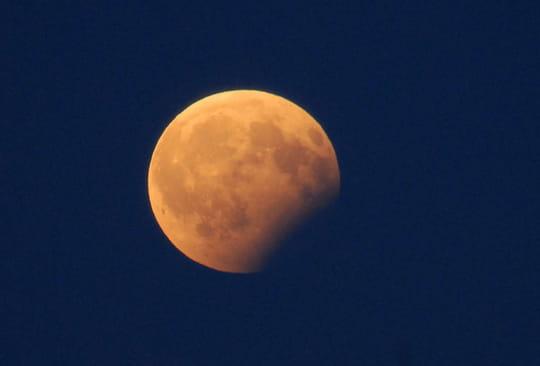 Éclipse de lune: les plus belles photos du 7août