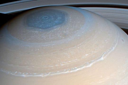"""Sonde Cassini: un """"suicide"""" sur Saturne pour capter des images exceptionnelles"""