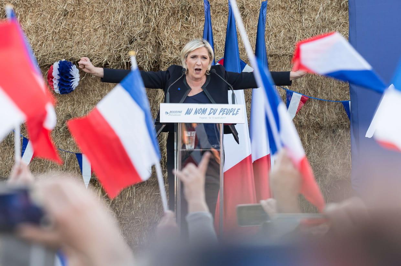 Deuxième tour : un débat télévisé Macron - Le Pen