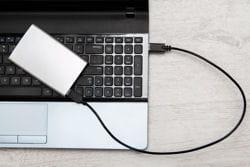 le disque dur externe offre de grandes capacités de stockage pour un coût