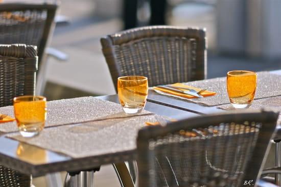 Les Voiles Blanches  - en terrasse aux voiles blanches -   © BR