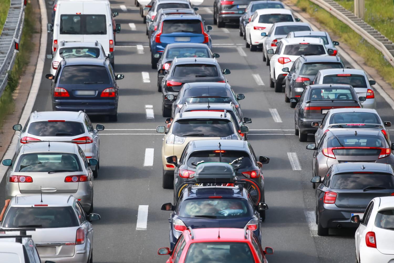 Bison Futé: rouge, orange... Trafic chargé ce week-end, les routes à éviter