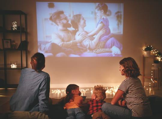 Bon plan confinement: la liste des livres, films, services de VOD gratuits