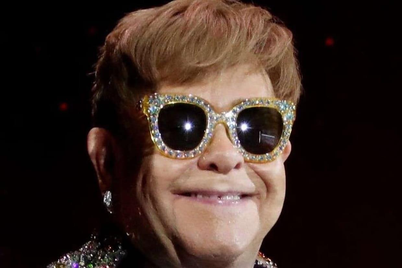 Elton John déshérité par sa mère, qui lui préfère son ancien assistant