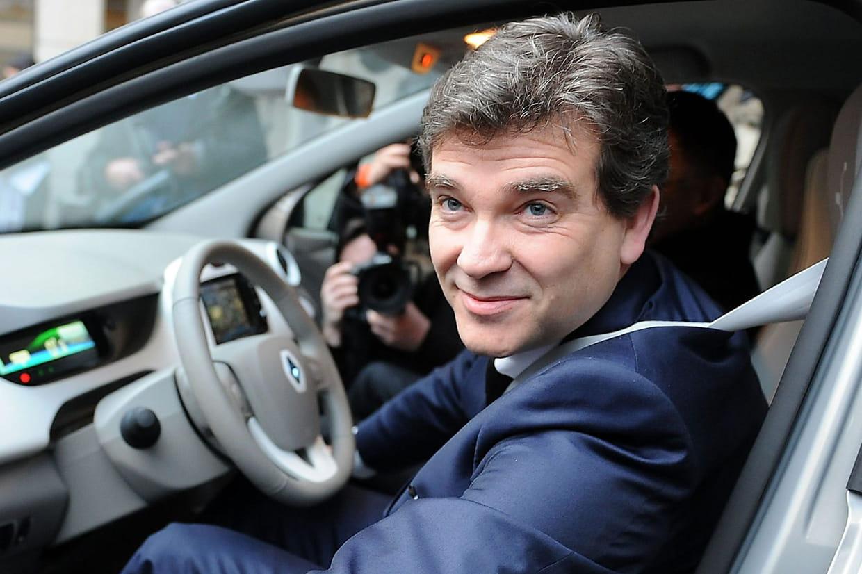 Victime d'un accident, Arnaud Montebourg sort avec panache du véhicule — Bordeaux