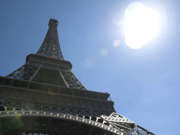 Tour Eiffel: unpremier étage tout enverre