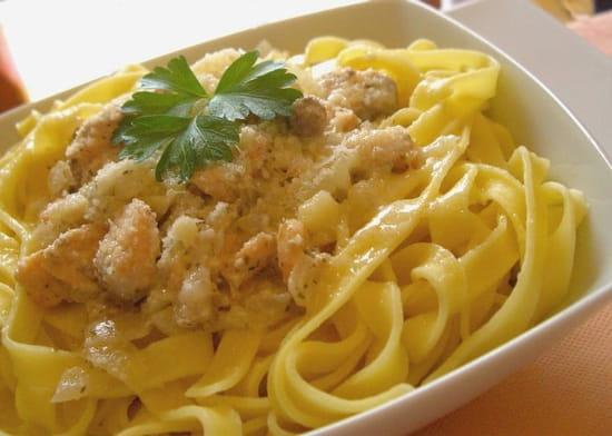 The Placeto Eat  - tagliatelles-au-saumon-et-au fromage italien -