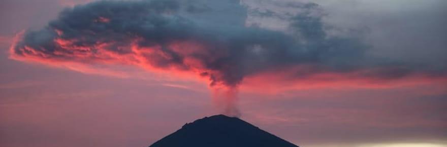 Les sites menacés par l'éruption du mont Agung à Bali [EN IMAGES]