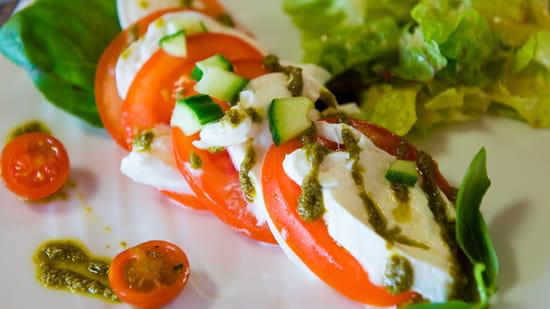 , Entrée : Le Préma  - Tomate Mozarella Basilic -   © BRITHOTELBLOIS