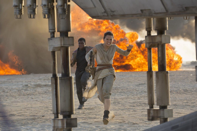 L'affiche de Star Wars 7et de nouveaux teasers avant la bande-annonce