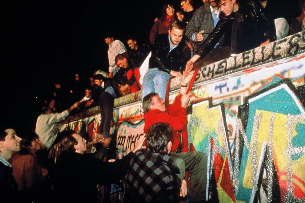 Mur de Berlin: bientôt l'anniversaire des 30ans de sa chute, les dates clés