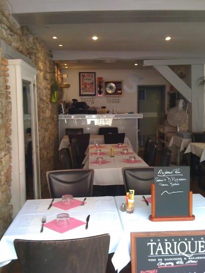 L'Echauguette  - le bar la salle la terrasse -   © mino