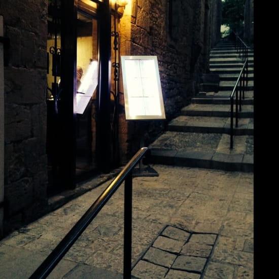 Restaurant : La Romane  - Vue depuis la rue -