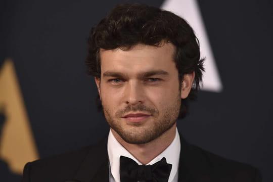 Alden Ehrenreich, le jeune Han Solo s'affiche à bord du Faucon Millenium