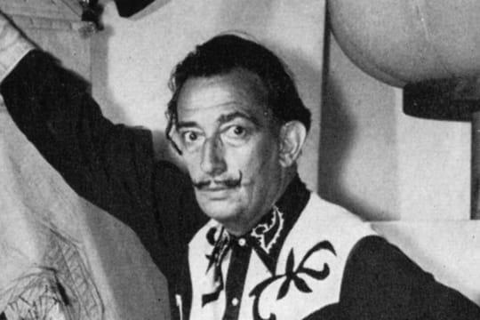 Salvador Dalí: biographie du peintre, et ses œuvres surréalistes