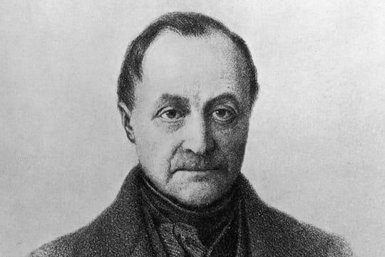 Auguste Comte: biographie courte du philosophe, père du positivisme