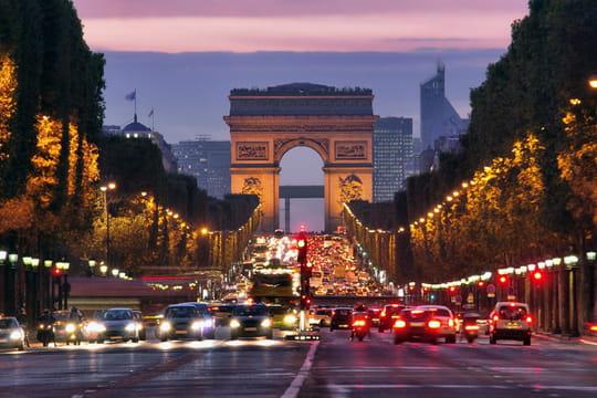 Taxis Bleus propose les premières visites guidées de Paris en taxi