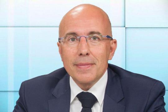 "Eric Ciotti ""condamne"" laproposition de Raffarin d'installer desmigrants enzone rurale"