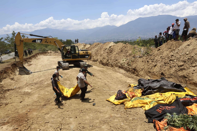 Tsunami en Indonésie [Direct]: un nouveau bilan attendu, de terribles images