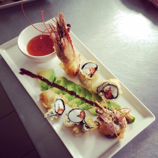 Entrée : La Crémaillère  - Gambas en tempura & Avocat -   © Shannon Peyrade