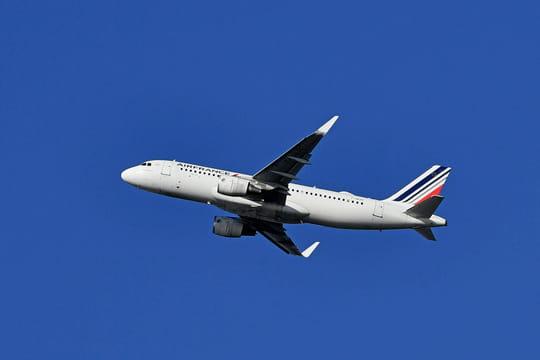 Air France: la compagnie va tester un certificat sanitaire numérique vers les Antilles, ce que l'on sait