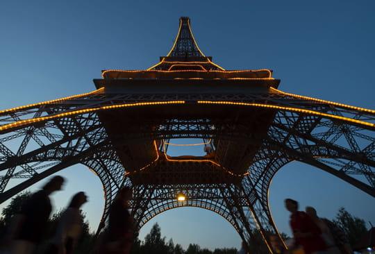 Tour Eiffel: des travaux de sécurisation et de rénovation en cours