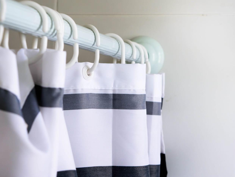 Rideau de douche : nos conseils et sélection des meilleurs modèles