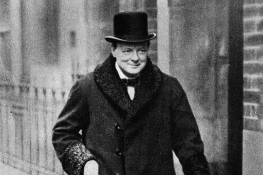 Winston Churchill: biographie du Premier ministre, prix Nobel de littérature