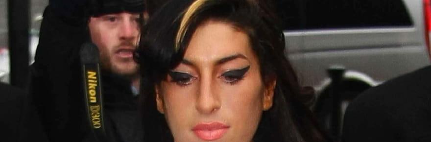 Amy Winehouse : pourquoi son père est furieux après les Oscar