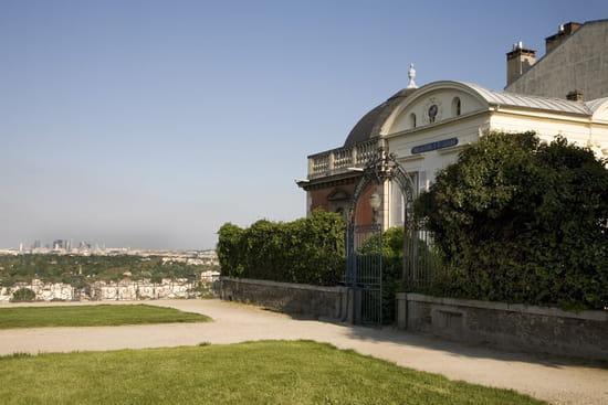Pavillon Henri IV  - Vue extérieure et parc -   © Apicius