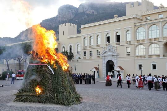 Les feux de la Saint Jean ou la fête du solstice d'été 10818543
