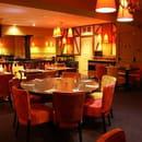 Les Relais d'Alsace - Taverne Karlsbrau Angoulême  - salle de l'étage des relais d'alsace angoulême -   © Lavaure Gaetan