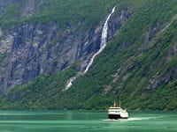 paquebot dans les fjords norvégiens